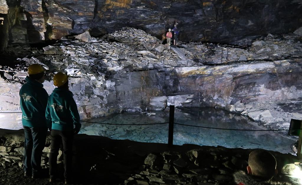Jaskinie Kornwalia atracje i co zobaczyć