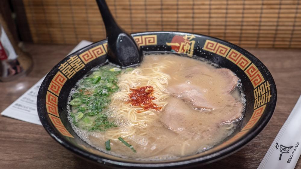 Japoński ramen z wieprzowiną
