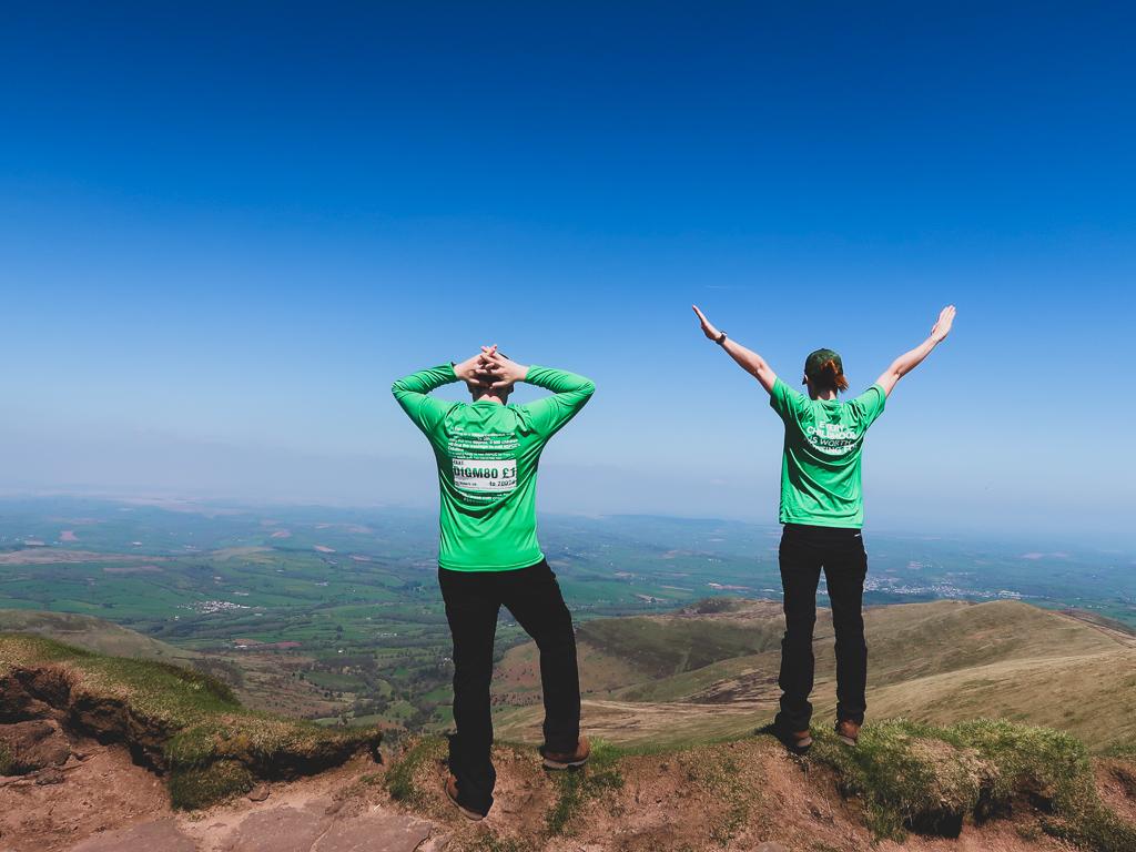 Hiking w Wali daje dużo radośći