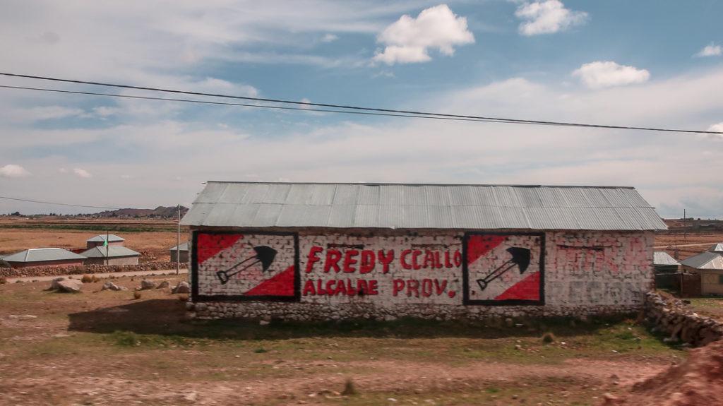 Kampania wyborcza na murze - Peru